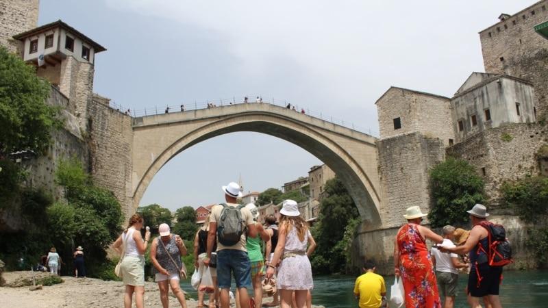 BiH u junu posjetilo 231 posto više turista nego 2020.