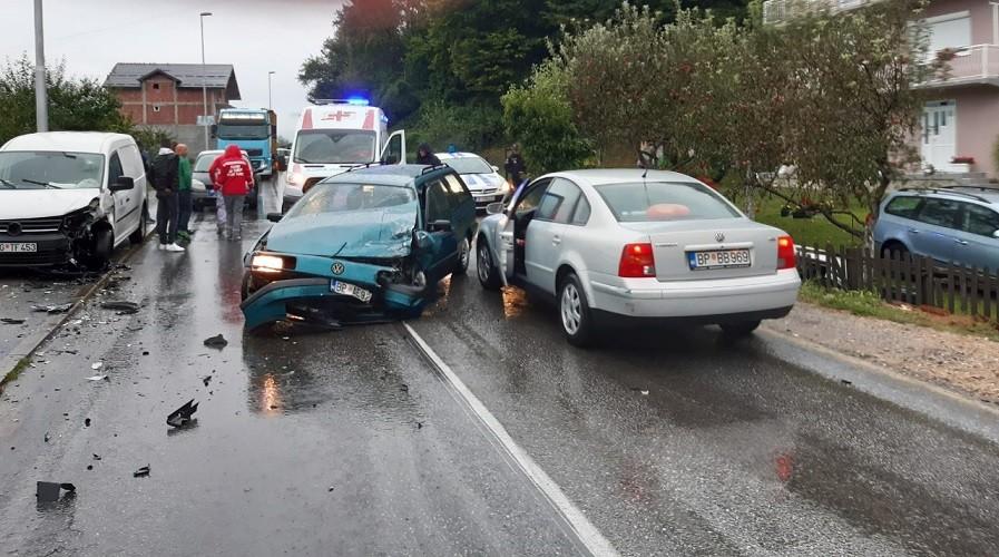 Bijelo Polje – Dvoje povrijeđenih u sudaru automobila (Foto)
