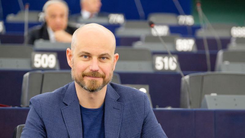 Bilčik za RSE: Pre ulaska u EU Srbija mora izaći iz Evroazijske unije