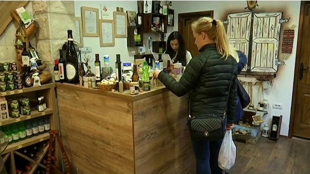 Bitka za kupce: Hipermarketi vs. male radnje