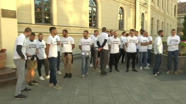 Bivši fudbaleri Borca počeli prvi štrajk glađu u istoriji fudbala