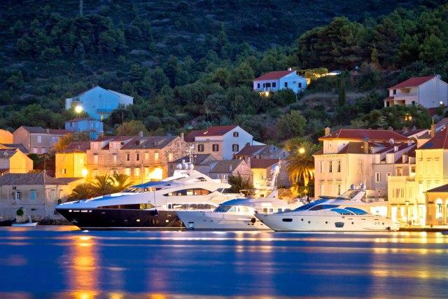 Bogataši škrtare u Hrvatskoj: Usidre se, odu, a ne ostave ni evro