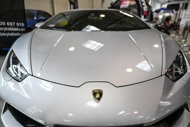 Bogatima je dosadno? Prodaja luksuznih automobila vrtoglavo raste