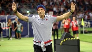 Bolonja do pobede u nadoknadi, ovacije za Mihajlovića