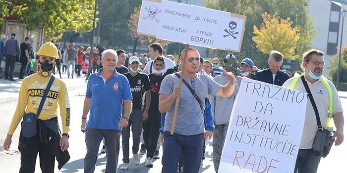 Borani treći put ove godine protestvovali protiv aerozagađenja, blokirane kapije Ziđina