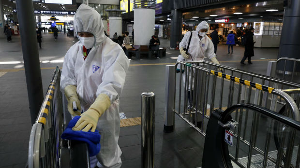 Borba s koronavirusom, teške mere i odluke