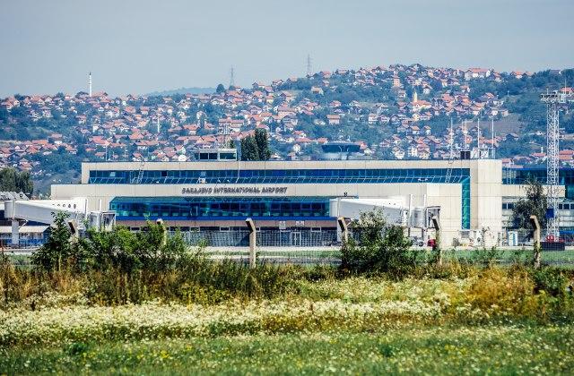 Borba sa dugovima: Avio-kompanija iz komšiluka otpustila polovinu radnika, otišli i piloti