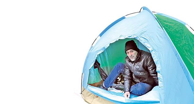 Borba za brata, u šatoru ispred mađarske ambasade