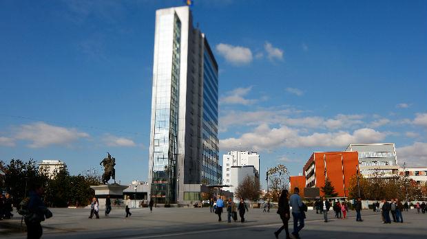 Borba za glasove, šta obećavaju albanski političari na Kosmetu