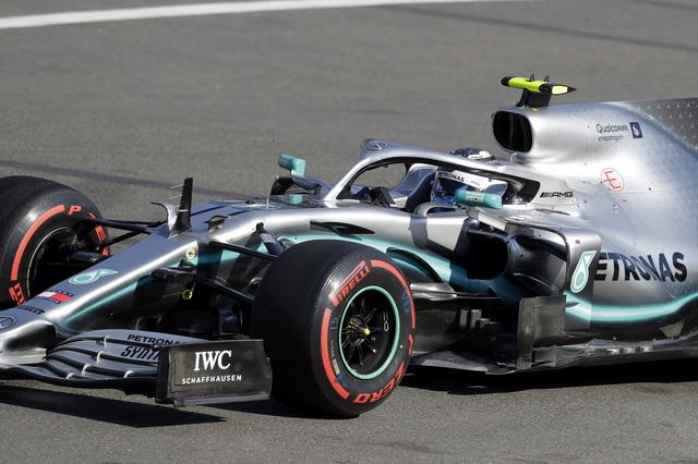 Botas vs Hamilton, razlika 0.063 sekunde!