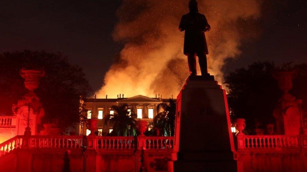 Brazil: Požar u Nacionalnom muzeju starom 200 godina