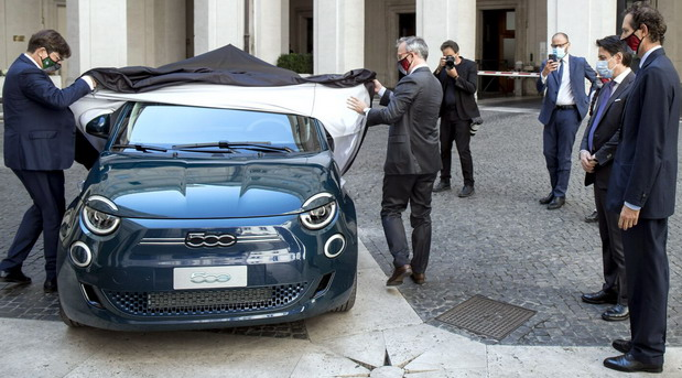 Brendirane maske i ekološki Fiat 500e za predsednika Italije