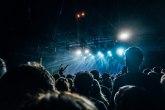 Britanci u maju na koncert bez maski i distance?