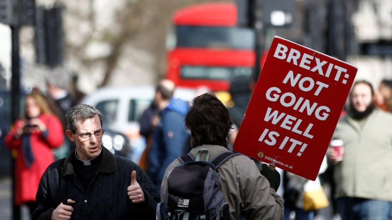 Britanski parlament podržao odlaganje Bregzita