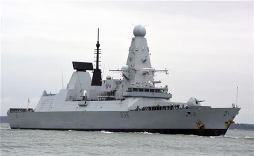 Britanski razarač ušao u ruske vode, upozoren pucnjima
