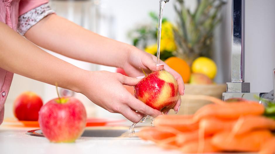 Brnabić: Nema kompromisa u bezbednosti hrane