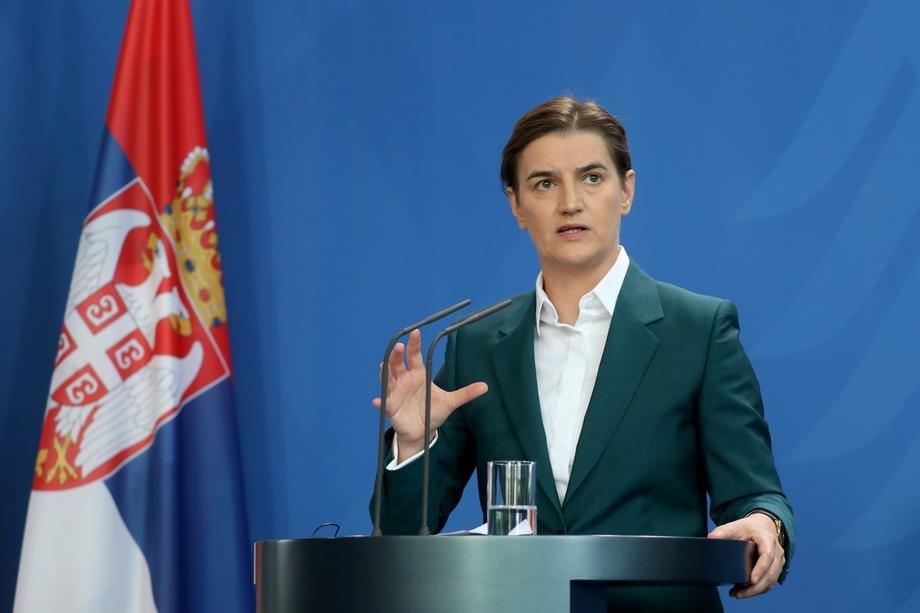 Brnabić: Vakcinisano 30 odsto punoletnih u Srbiji, više otpusta nego prijema