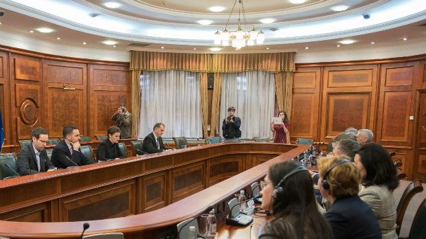 Brnabić i Komarova o daljem razvoju bilateralne saradnje