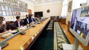 Brnabić i Varheji razgovarali o primeni nove metodologije u pregovorima Srbije i EU