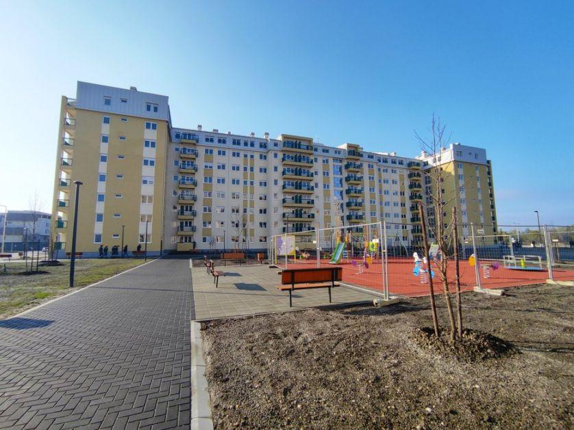 Dodeljeni ključevi prvih stanova za bezbednjake u Novom Sadu