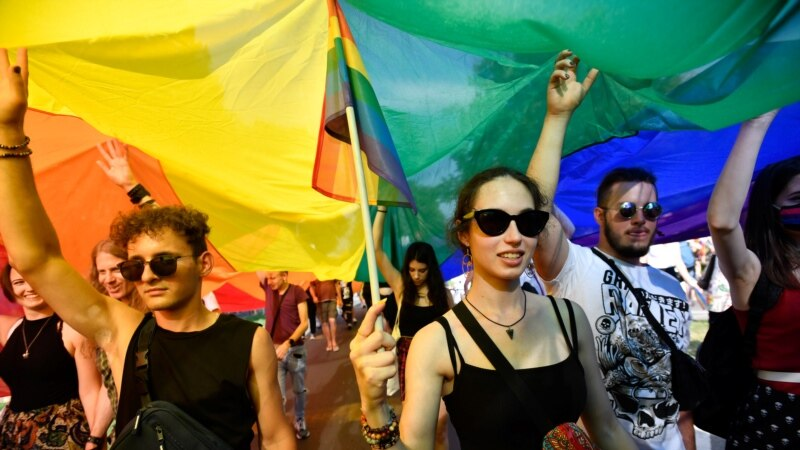 Budimpešta: Povorka ponosa i protest protiv Orbanovog zakona