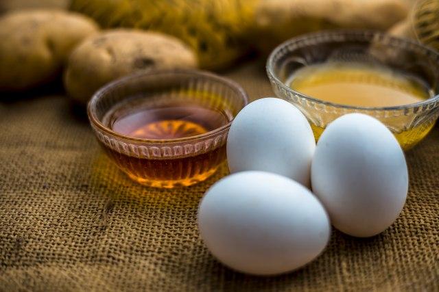 Budite zdravi cele godine uz pomoć ovog napitka od jaja i meda