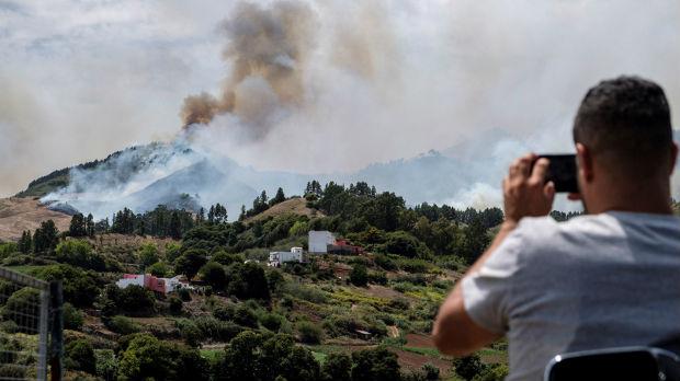 Bukte požari na Kanarskim ostrvima, evakuisano 4.000 ljudi