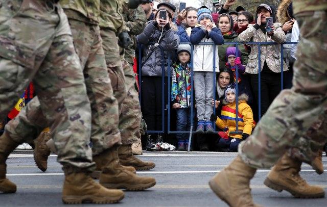 Bukurešt: Vojna parada povodom nacionalnog praznika FOTO