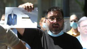 Bulatović: Oduzeli su mi puške zbog pitanja o Vučićevim patikama