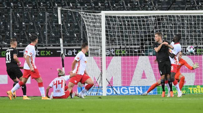 Bundesliga - Lajpcig doživeo prvi poraz u Menhengladbahu! (video)