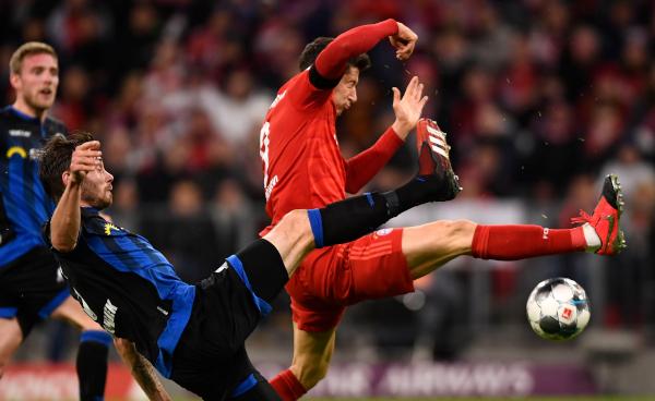 Bundesliga - Nojer briljirao, Levandovski spašavao! (video)