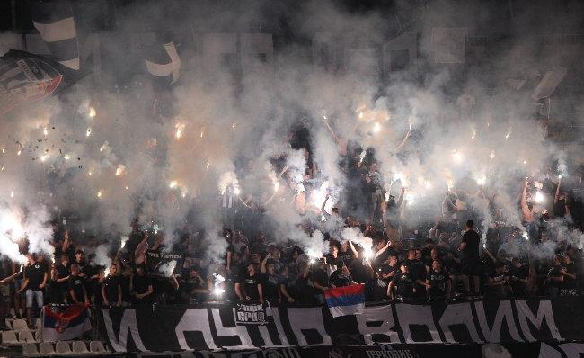Burno ispred Zemunela, protest protiv uprave Partizana!