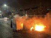 Burno u Belfastu: Zapaljen oteti autobus, kamenjem na policiju