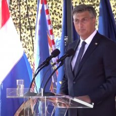 ČEGA SE PAMETNI STIDE, HRVATI SE PONOSE: Plenković poslao Srbiji sramotnu poruku sa proslave zločinačke Oluje