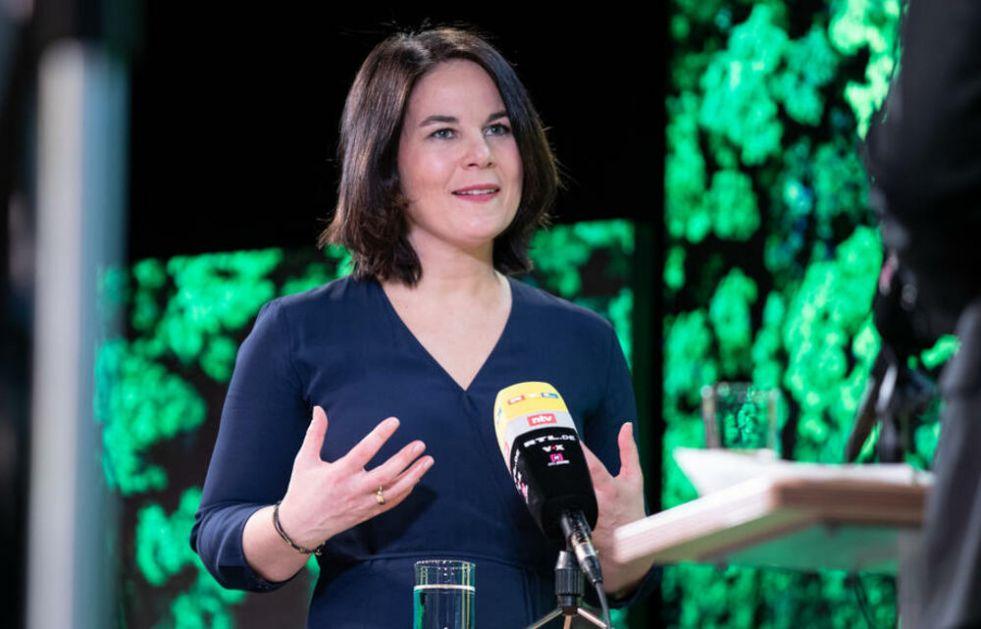 ČELNICA KAKVU NEMAČKA ŽELI Bivša trampolinistkinja stremi visoko u politici: Da li će Analena Berbok naslediti Merkelovu?