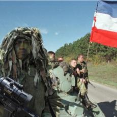 CEO DAN SAM ČEKAO DA GA UBIJEM KAO KERA Šta stoji iza fotografije napravljene poslednjeg dana rata (FOTO)