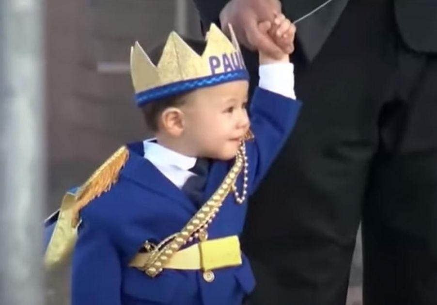 CEO GRAD PROSLAVIO PRVI ROĐENDAN MALOG POLA: Ostao bez roditelja u strašnoj pucnjavi, a sada je dobio paradu (VIDEO)