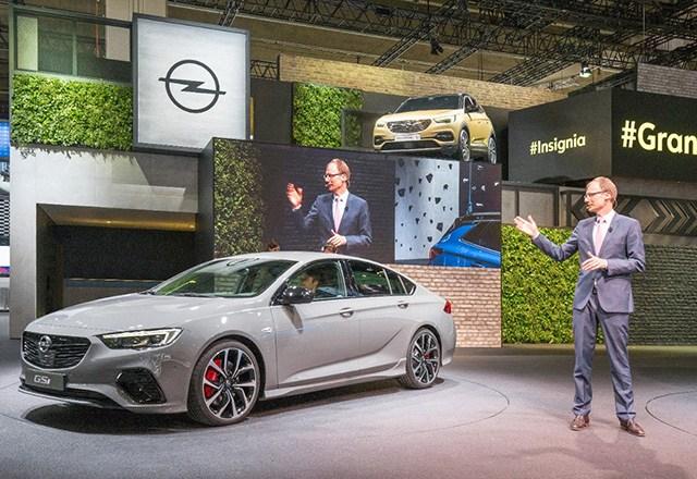 "CEO Lohscheller na IAA najavio prvi Opelov ""plug-in"" hibrid"