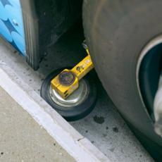 CEO SPISAK: Šta znače simboli i oznake na automobilskim gumama?