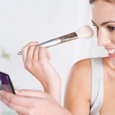 ČETIRI jednostavna koraka za čišćenje četkica i sunđera za šminkanje: Neka sve blista!