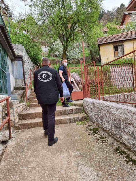 CHR Hajrat podijelio humanitarne pakete na teritoriji džemata Stari grad-Priboj