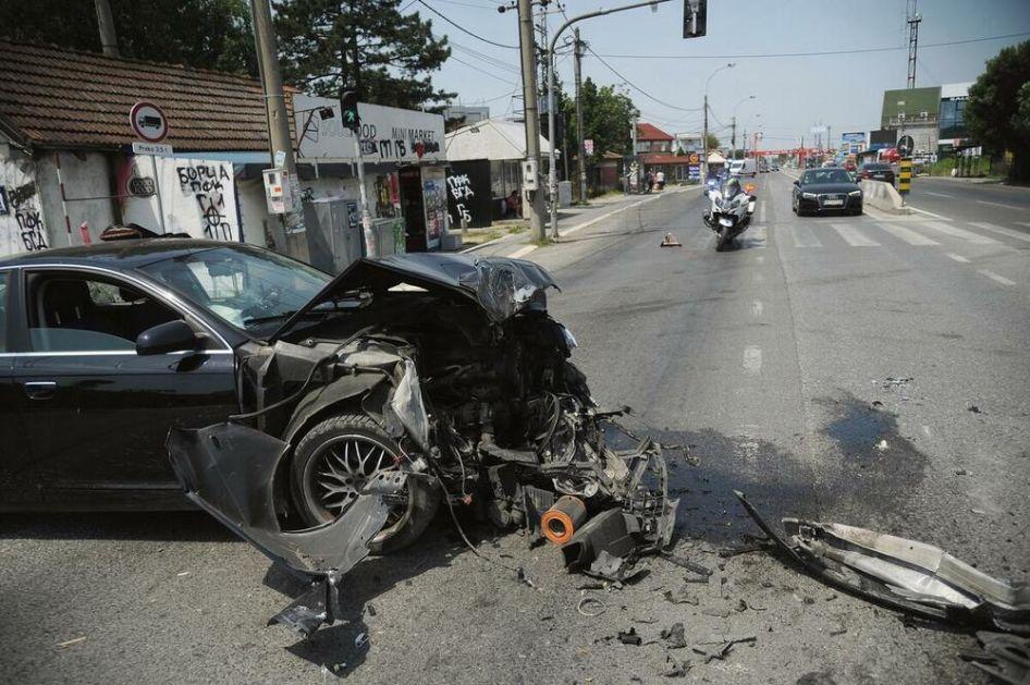 CRNA NEDELJA: Devojka i motociklista stradali pod kamionima, povređeno i dete (3)!