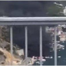 CRNI DIM GUTA DUBROVNIK: Pretakali gorivo pa zapalili glisere, skutere i vozila (VIDEO)