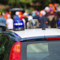 CRNOGORCI PALI U TRSTU: Zbog prebrze vožnje policija krenula u poteru pa u kolima zatekla šokantno otkriće