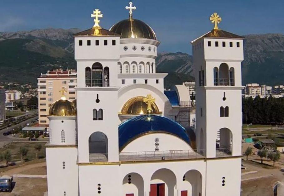 ČUDO U CRNOJ GORI: Zaplakala ikona Pećke Bogorodice u hramu u Baru! (FOTO)
