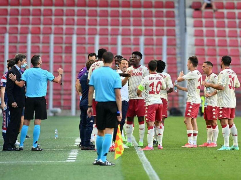 ČULI SE MAJMUNSKI KRICI! Fudbaleri Monaka umalo napustili teren u Pragu! SKANDAL u borbi za Ligu šampiona
