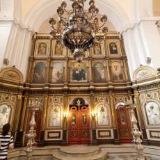 ČUVENI RUSKI MONAH PREŠAO 2.000 KILOMETARA DA BI DOŠAO U SRBIJU: Doneo sa sobom čudotvorni krst koji će odneti na Kosovo i Metohiju (FOTO)