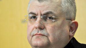 Čanak: Rusija reketira energetski ucenjenu Srbiju prodajom oružja