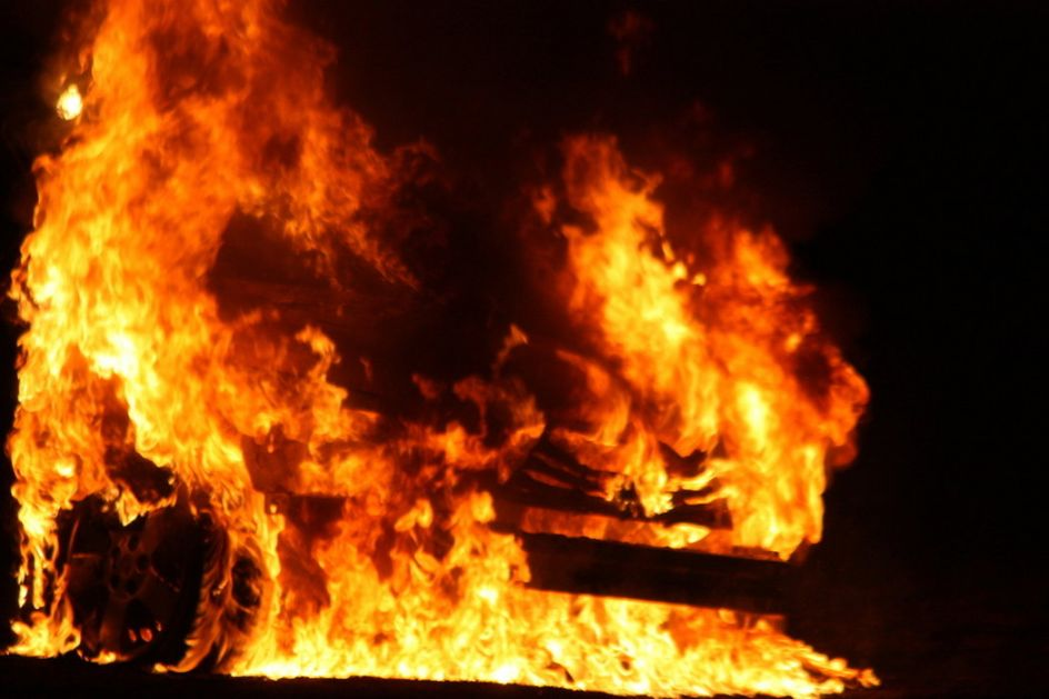 CarGo: Zapaljen automobil člana CarGo