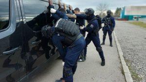 Carina: Sedam migranata u tovaru čipsa zalutalo u Leskovac